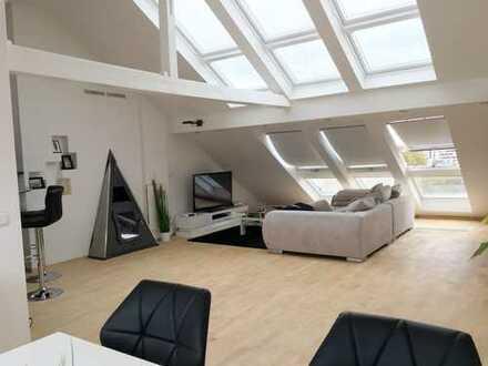 Stilvolle Dachgeschosswohnung mit Charme