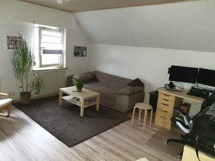 Freundliche 2-Zimmer-DG-Wohnung mit EBK in Pfungstadt