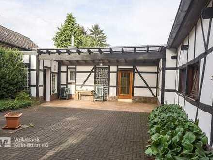 Godorf, Baugrund mit altem gepflegten Einfamilienhaus, Anbau und Garage