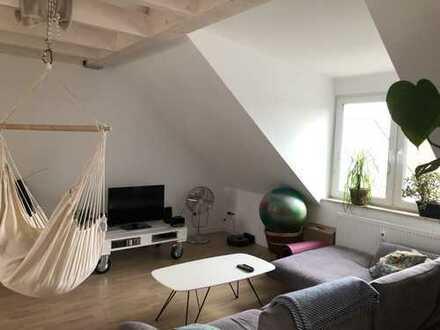 Neue Dachgeschosswohnung mit großzügiger Loggia, WG geeignet