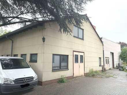 Lagerhallen in Fechenheim / optional Baugrundstück (Wohnen)