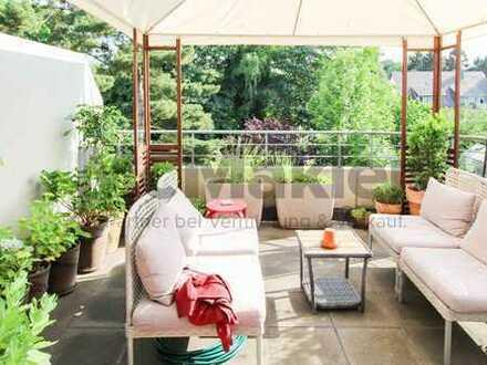 Sichere Kapitalanlage: Langfristig vermietete Maisonettewohnung mit Balkon in zentraler Lage