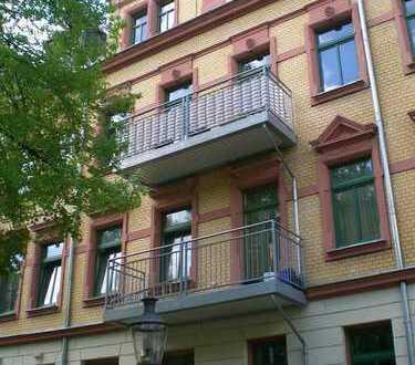 Dachgeschosswohnung mit Einbauküche