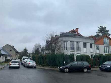 Preiswerte, vollständig renovierte 1 Raum Dachgeschosswohnung in Bochum-Linden