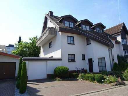 Großzügig geschnittene modernisierte Maisonette-Wohnung in St. Ilgen