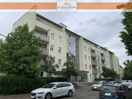 Familienwohnung mit zwei Balkonen, Aufzug und Tiefgaragenstellplatz in bester Lage