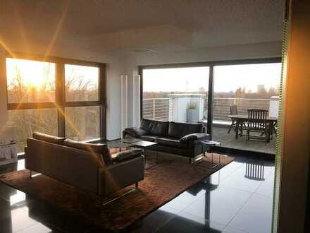 295 m²: Penthouse Büroetage mit unglaublichem Ausblick !