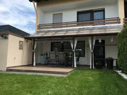 Renovierte Doppelhaushälfte mit Garten, Keller und Garage in Neustadt an der Donau