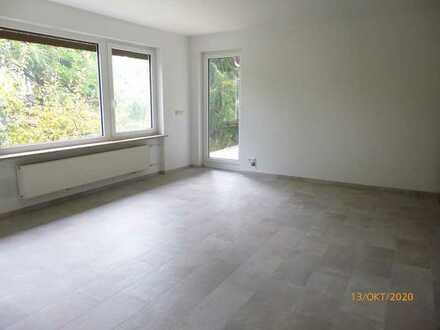 Großzügige, ruhige 3-Zimmer-Wohnung im 1. OG mit Loggia in Bestlage von Putzbrunn-Solalinden