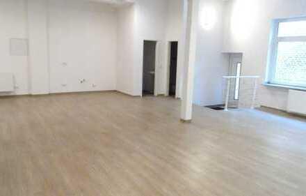 Rarität!Modern und sanierte Büro/Atelier/Physio oder Kindertagesstätte zu mieten