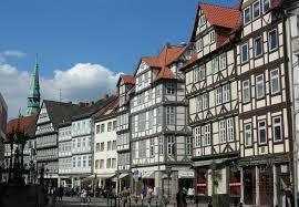 Exklusive, sanierte 2-Zimmer-Maisonette-Wohnung mit Einbauküche in Hannover