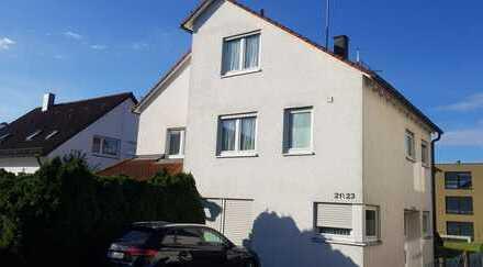 Schönes, geräumiges Haus mit fünf Zimmern in Esslingen (Kreis), Ostfildern