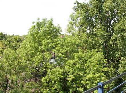 Sonnige 3 Zimmer-Wohnung, Nähe St. Emmeram Englischer Garten