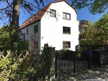 Neue, helle und gut geschnittene Eigentumswohnung in Berlin - Rudow