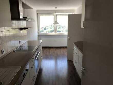 Schöne 3,5 Zimmer Wohnung mit toller Aussicht