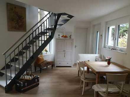 Schönes Atelierhaus mit 2,5 Zimmern Maisonette von Privat