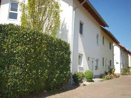 Großzügige Doppelhaushälfte in Worms-Pfeddersheim