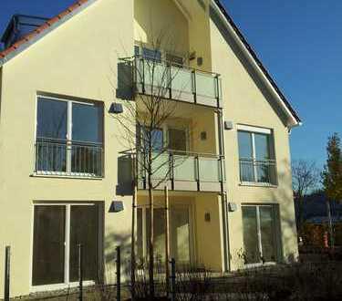Moderne, helle 2-Zimmer-DG-Wohnung mit West-Balkon in Obermenzing zur Untermiete