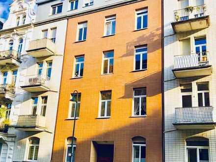 OHNE MARKLERPROVISION!!! Sehr schöne 4 Zimmer Altbauwohnung im Herzen von Wiesbaden