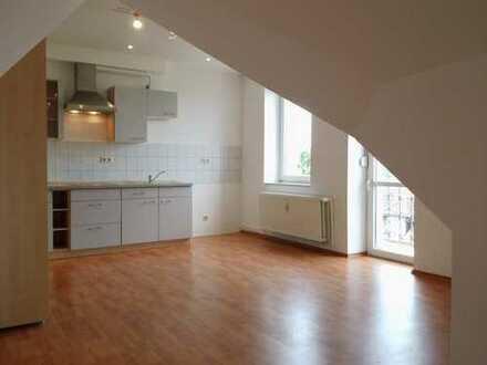 Günstige 2-Raum-Wohnung mit EBK in Bismark