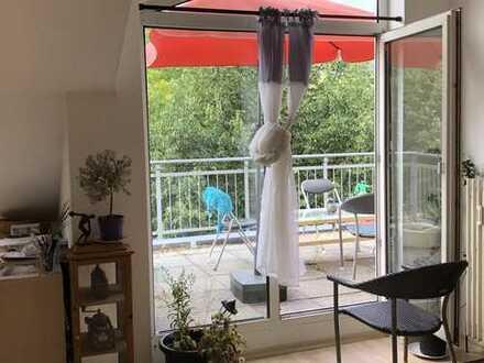 Kleine aber feine 2-Zimmer Wohnung mit Dachterrasse, zentrumsnah