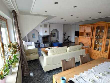 Schöne und helle 3 Zimmer-Wohnung mit Balkon !!!