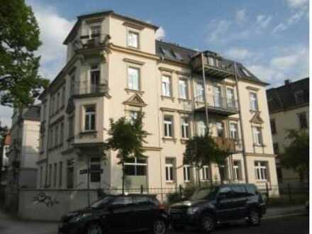 2-Zimmer-Wohnung mit Balkon in Dresden - Striesen