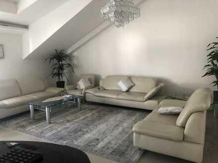 Neuwertige 5-Zimmer-Wohnung mit Balkon in Lorsch