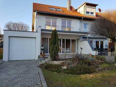 Traumhaft neuwertiges top modernes Reiheneckhaus mit vier Zimmern in Filderstadt nahe Stuttgart