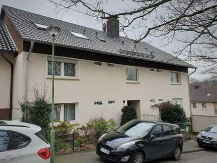 Möbliertes Apartment in ruhiger, kleiner Wohnanlage mit sep. Küche und Tageslichtbad