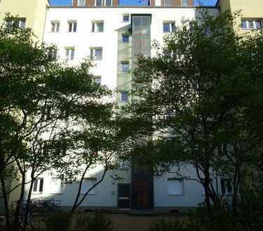 Bild_*NEU* WG-geeignete und frisch sanierte 2-Zimmerwohnung in Wedding! Nahe U-Bhf. Seestraße (U6)