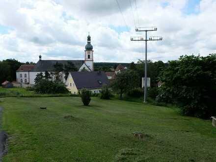 Ruhig gelegenes Baugrundstück mit Ausblick auf Michelfeld