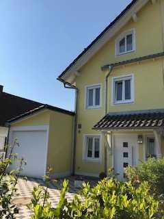 Familienfreundliche Doppelhaushälfte in München, Am Hart