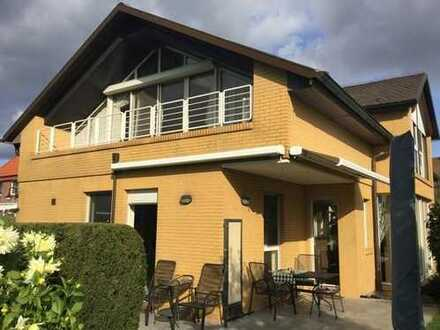Sehr gepflegtes Einfamilienhaus: ruhige Lage und hervorragend massiv gebaut!