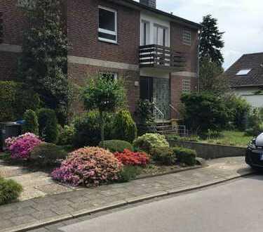 Schönes, geräumiges Haus mit vier Zimmern und Garten in Düsseldorf, Unterbach