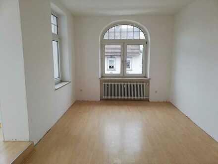 Große 3-Zimmer-Wohnung mit eigenem Hauseingang, Erker und Terrasse in Kierspe!