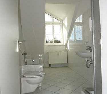 Helle 2-Zimmer-Dachgeschoss-Wohnung