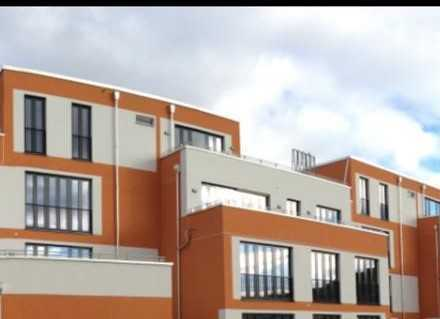 Stilvolle, geräumige, moderne 2-Zimmer-Wohnung mit Einbauküche in Fürstenfeldbruck