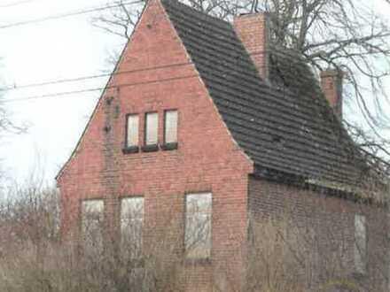 Leerstehendes und ruinöses Gebäude * Stüdenitz - Schönermark *