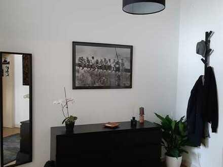 21 m² möbliertes Zimmer in großer Berufstätigen-WG