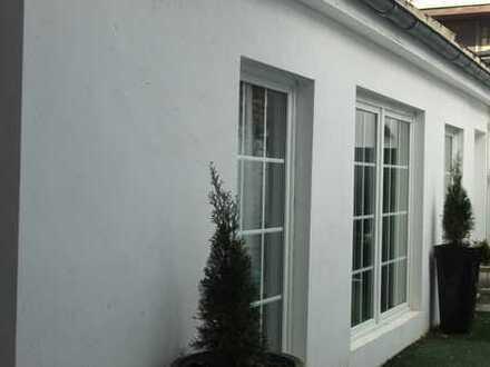 Neuwertige 4-Zimmer-EG-Wohnung mit Balkon und EBK in Aachen