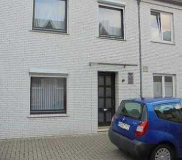 Bremer Haus Nahe der Überseestadt in sehr ruhiger Lage mit Terrasse, Schuppen und Hof in Walle