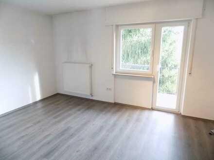 """Nette kleine Singlewohnung """"Zentral in Neckarau"""" mit Balkon"""