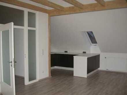 +++Helle 3-Zimmer-Dachgeschoss-Wohnung in Pfaffenhofen/OT Gittenbach/Garage/Wfl. ca. 77 m²!+++