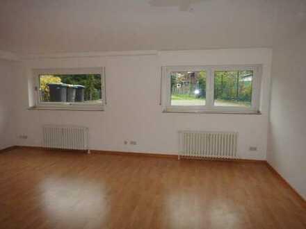 Geräumiges, helles 1,5-Zimmer-Souterrain-Appartement (53 m²) in der Nähe des Moerser Zentrums