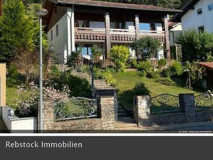Haus, zentrale Aussichtslage, Balkon/Terrassen, Garagen, Oberstaufen