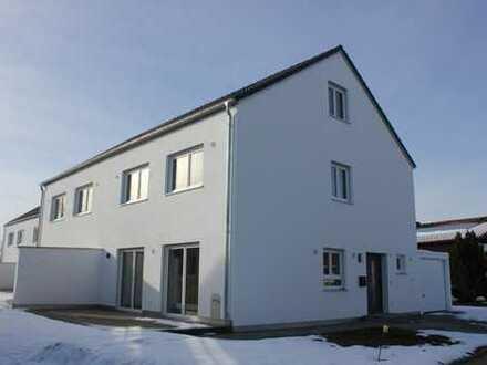 Neubau - Tolle DHH - Haus A mit wunderbarem ca. 73 qm grossen Garten