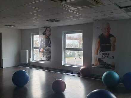 Halle als Sportstudio /// Tanzstudio /// Showroom ect. ...