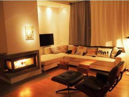 Helles und ruhige 2-Zimmer-Appartment mit Tiefgaragenplatz, Kamin, Balkon und EBK in Schwabing-West