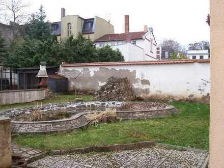 Schöne 1-RW in Bernburg zentrumsnah mit hohen Decken und EBK, Garten